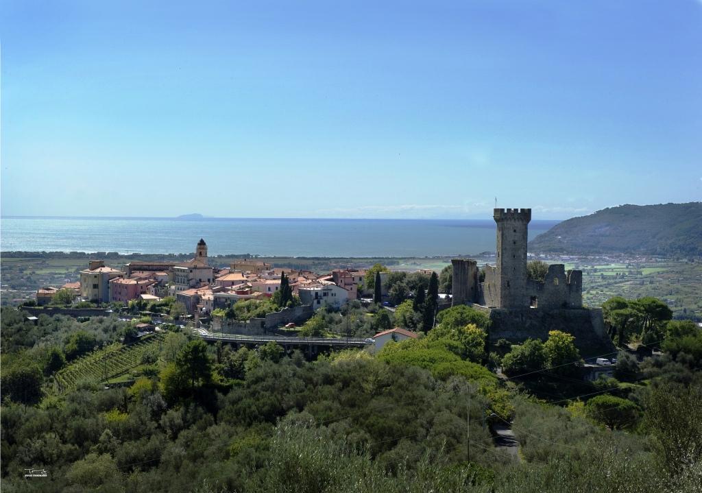 Panoramica del Centro Storico con isola Gorgona sullo sfondo